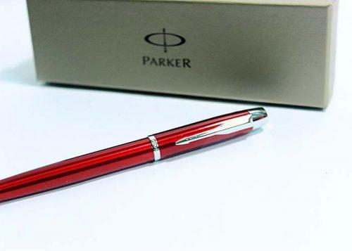 but-bi-parker-im-red_06