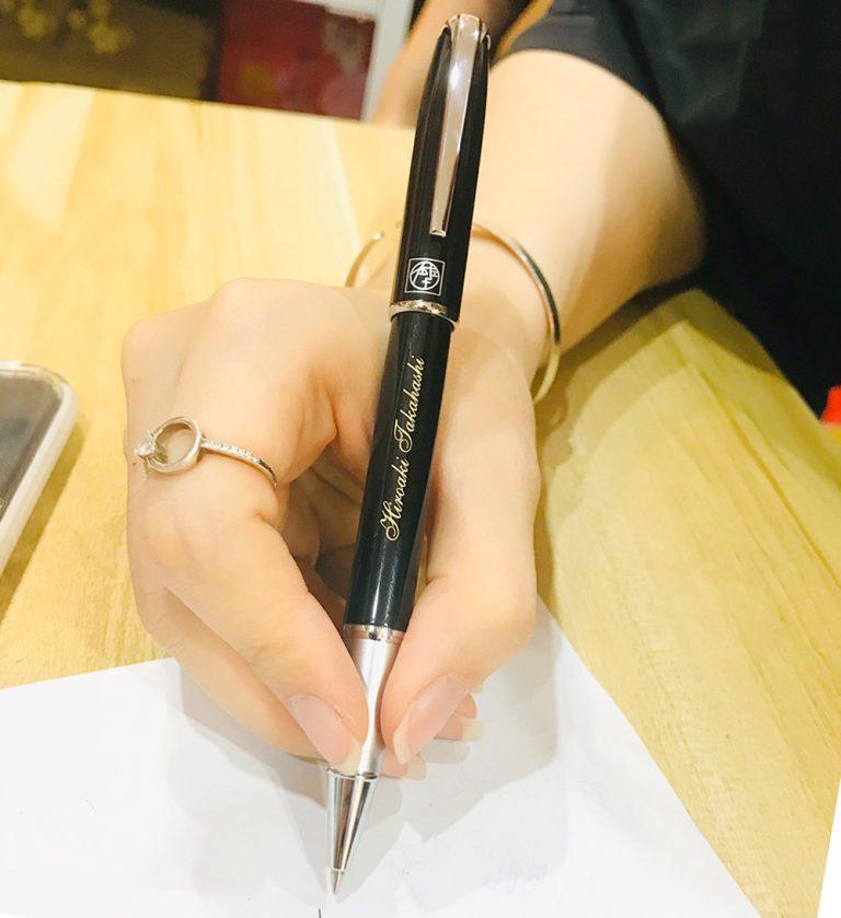 bút ký dành cho nữ